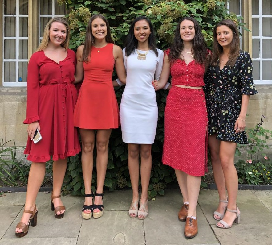 Anja with students on the Nebraska at Oxford program
